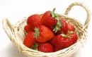 小提篮里的草莓