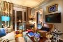 客厅沙发茶几与灯具