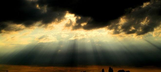 制作阳光透过云层